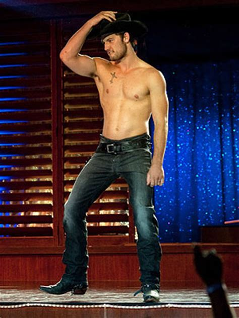 alex pettyfer magic mike strip magic mike alex pettyfer wants to be in broadway version