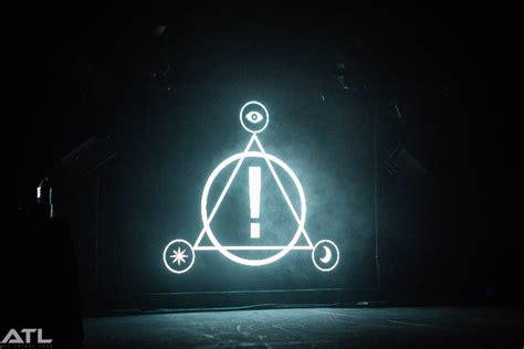 the symbol panic disco symbol