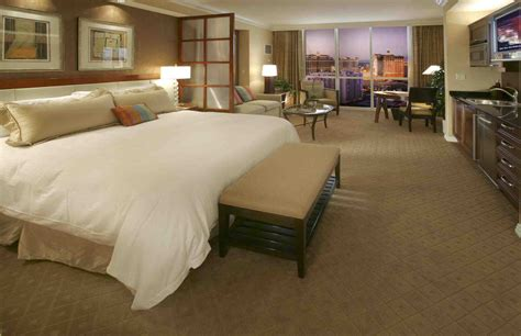 mgm grand hotel las vegas rooms the signature at mgm grand things to do in las vegas