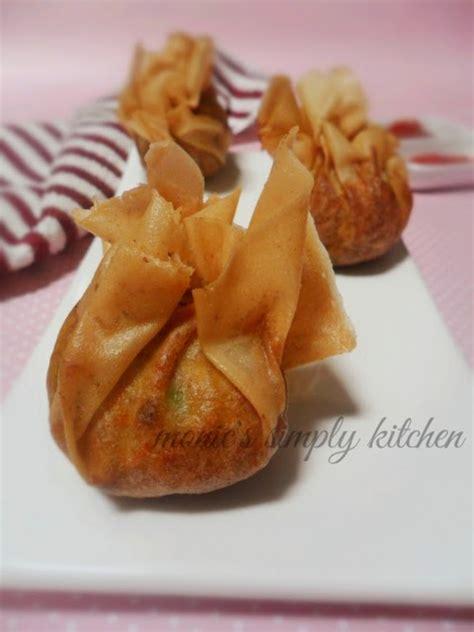 pangsit goreng mirip ekado monics simply kitchen