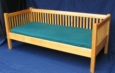how to build a daybed frame building a day bed