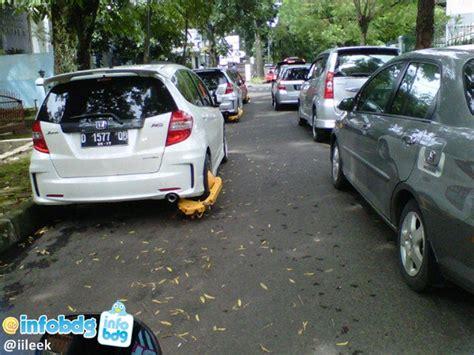 Gembok Roda Motor mobil dan motor parkir sembarang di kota bandung vs tim
