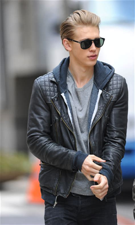 Cosmo Bedroom Blog austin butler interview austin butler on the carrie diaries