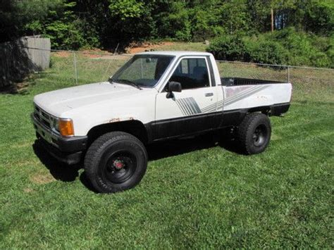 Toyota 22r For Sale Buy Used 1987 Toyota 4x4 Truck 22r Carb 5 Speed M T Alum