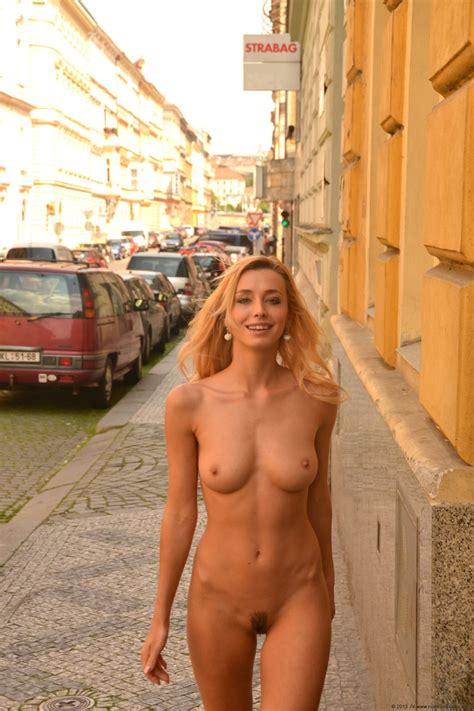 Coxy Nude City Walk