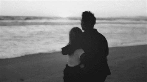 sweet love couple wallpapers with gifs beach love gif find share on giphy