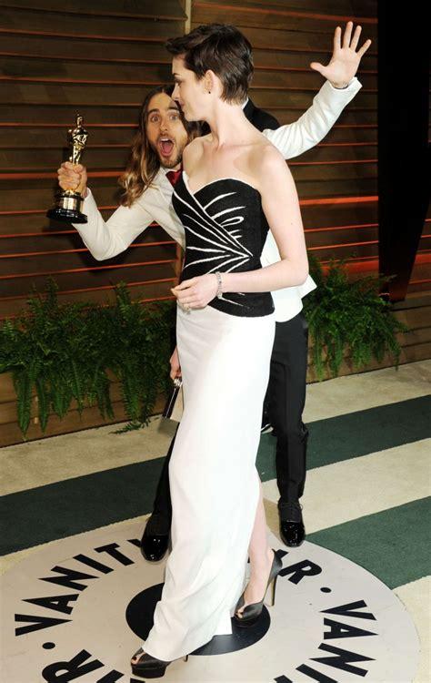 Hathaway Vanity Fair Oscar Hathaway Oscar 2014 Vanity Fair 16 Gotceleb