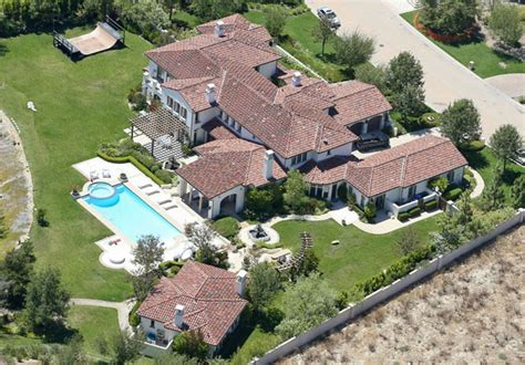 Justin Bieber S House by Khloe Buys Justin Bieber S Calabasas Home