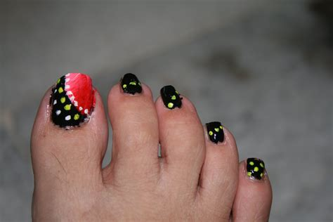 toe nail art where to start