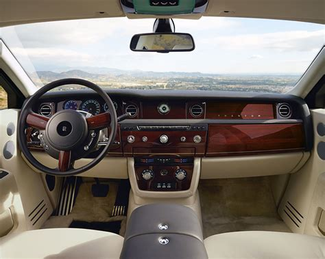 luxury rolls royce interior rolls royce suv interior brokeasshome com