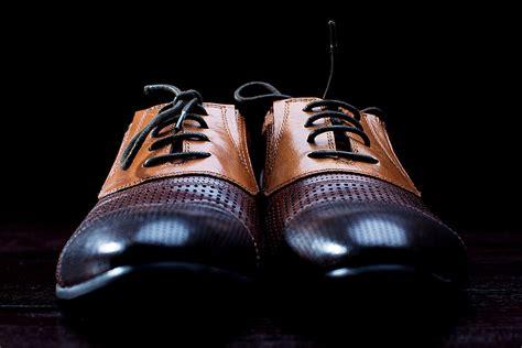 Schuhe Polieren Nylonstrumpf by Schuhe Knigge Tipps F 252 R Businessschuhe Und Socken