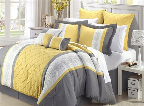 comfy comforter choosing a comfy bedding duvet or comforter for your bed