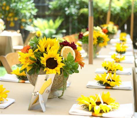 Tischdeko Mit Sonnenblumen by Sonnenblumen Deko 50 Wundersch 246 Ne Blumengestecke