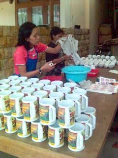 Teh Gelas Dari Pabrik pabrik mug keramik kami silahkan order mug keramik kami