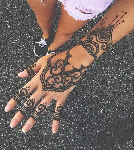henna tattoo on tumblr design girl hand henna pretty tumblr henna
