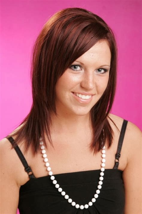brownn shoulder length hairstyle brown medium length hairstyles