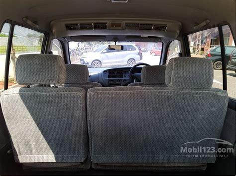 Toyota Kijang Lgx 2002 Mpv jual mobil toyota kijang 2002 lgx 1 8 di jawa barat manual