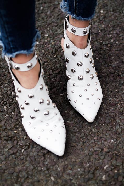 white shoes the new trend style