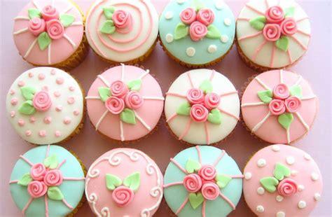 d馮lacer en cuisine signifie le gla 231 age ou la d 233 coration des cupcakes recette com