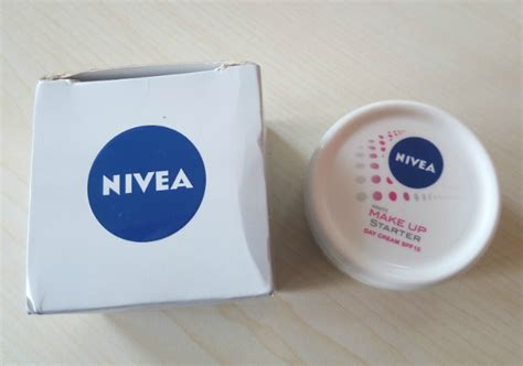 Pelembab Nivea Sparkling White pelembab nivea white make up starter day