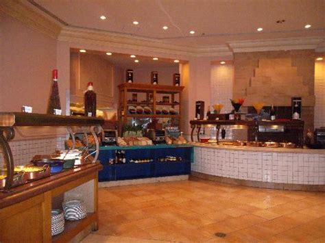 marketplace buffet picture of atlantis coral towers