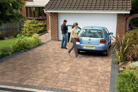 low maintenance front garden ideas top 30 front garden ideas with parking home decor ideas uk