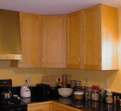 width of kitchen cabinets standard width of fitted kitchen cabinets afreakatheart