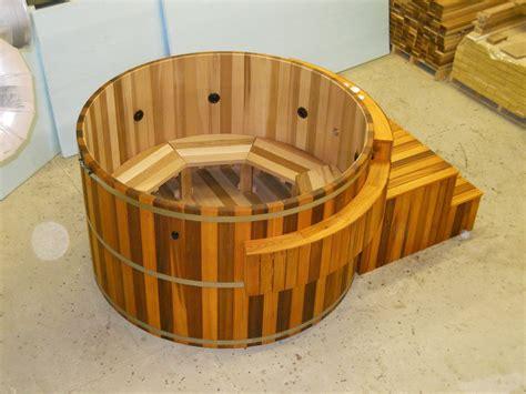 Custom Built Bathtubs by Custom Made Cedar Tubs By Maine Cedar Tubs Inc