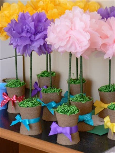 How To Make Tissue Paper Flower Centerpieces - tissue paper flower centerpieces crafts decorating