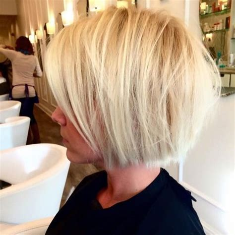 hairstyles blunt stacked best 25 medium stacked bobs ideas on pinterest stacked