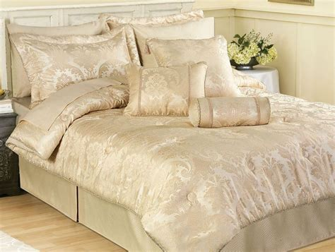 Cream Duvet Covers Carrington Ivory Cream Damask Bedspread Throw Duvet Cover