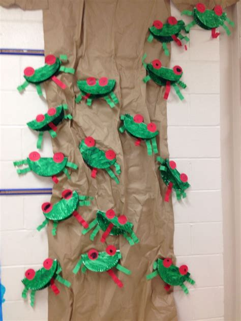 crafts for classroom 25 best ideas about rainforest theme on