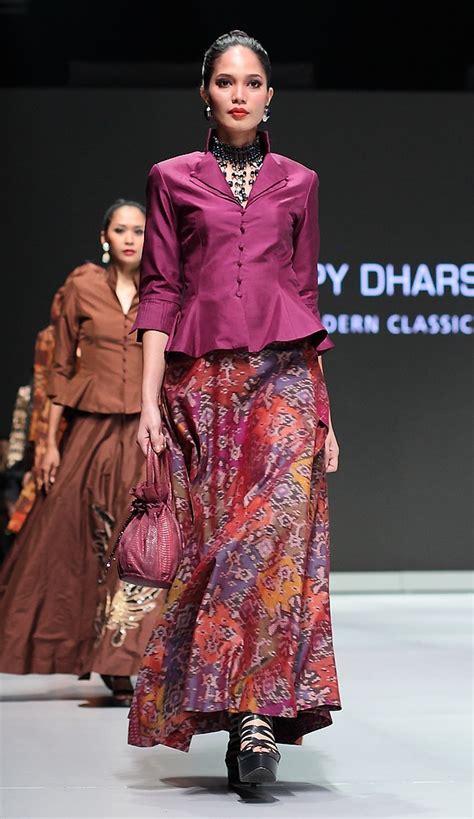Atasan Kebaya Kode Rni 177 ifw 2013 177 poppy dharsono indonesia modern classic archipelago indonesia fashion week