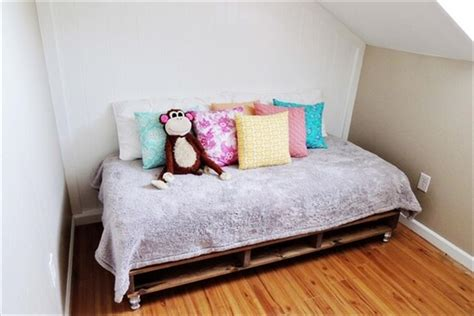 kids pallet bed kids pallet bed give your kid a refreshing sleep 101