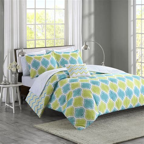 reversible blue aqua teal green chevron stripe bed in a