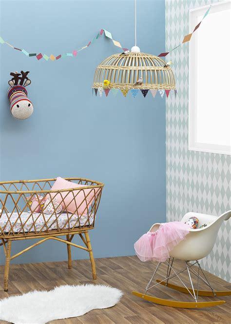 couleur de peinture pour chambre enfant couleur zolpan lance sa collection peintures pour les