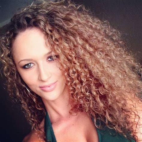 naturally curly hair white women naturally curly naturally curly hair and curly hair on