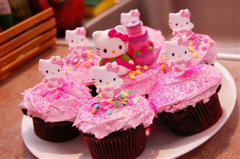 Cupcake Tema Hellokitty hello cupcakes while i m waiting