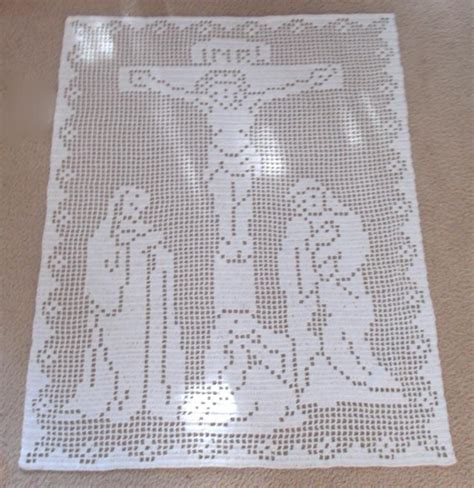 filet crochet patterns for home decor the crucifixion filet crochet pattern by michelle d bell