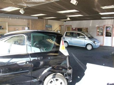 Garage Forecourt For Sale by Garage For Sale In 1797 Empty Car Showroom And Forecourt