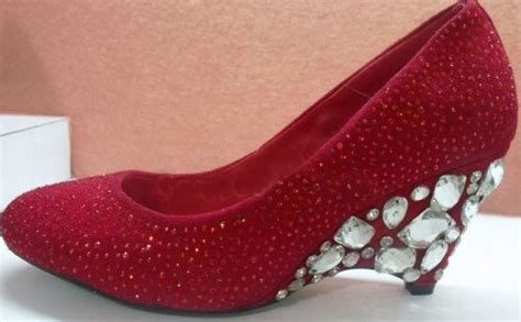 Red Wedding Bridal shoes for pakistani bridal shoes trend