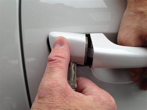 use an emergency key to open your vw door