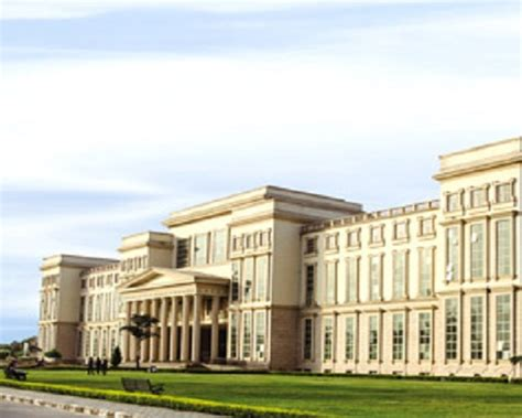Amity Lucknow Fee Structure For Mba by Amity Lucknow Images Photos