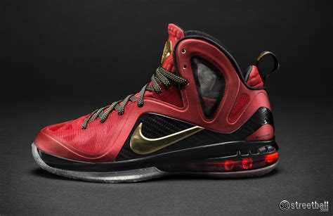 lebron james shoes lebron james shoes dec 31 2012 23 26 34 picture gallery