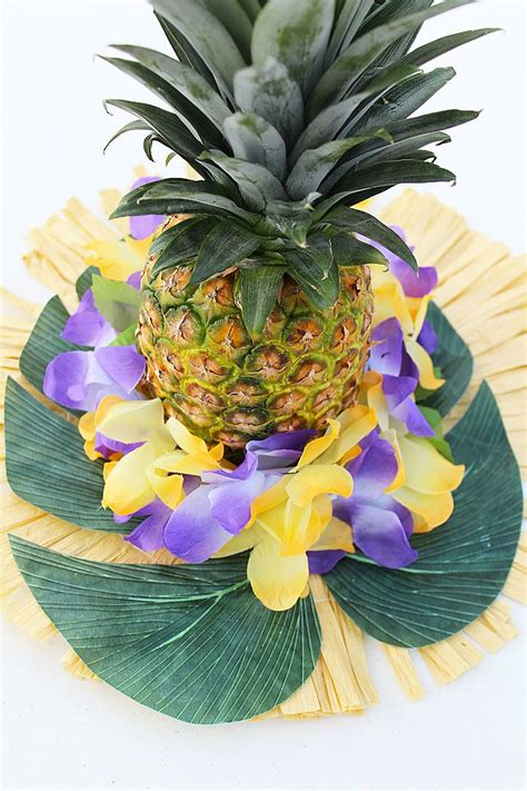 hawaiian table decorations ideas 25 best ideas about hawaiian centerpieces on