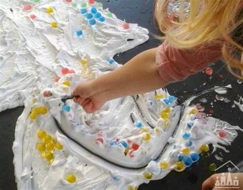 Christmas Tree Messy Play   Crafty Kids at Home