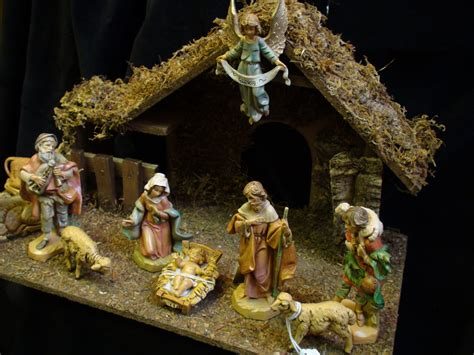 cribs and nativity sets