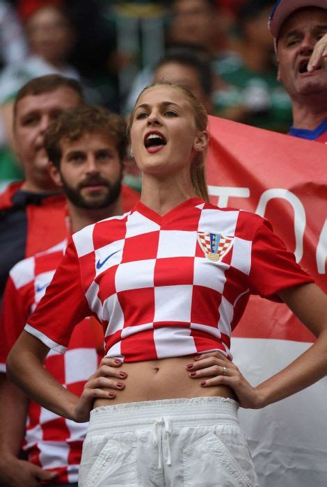 hot fans    world cup barnorama