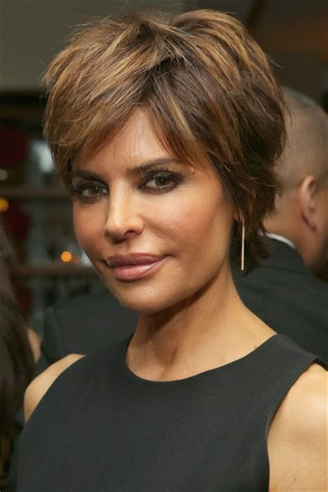 is lisa rinnas haircut hood for fine hair beautytiptoday com lisa rinna s lips look larger than