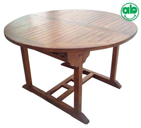 tavoli da giardino allungabili in legno tavolo tondo da giardino in legno balau allungabile per